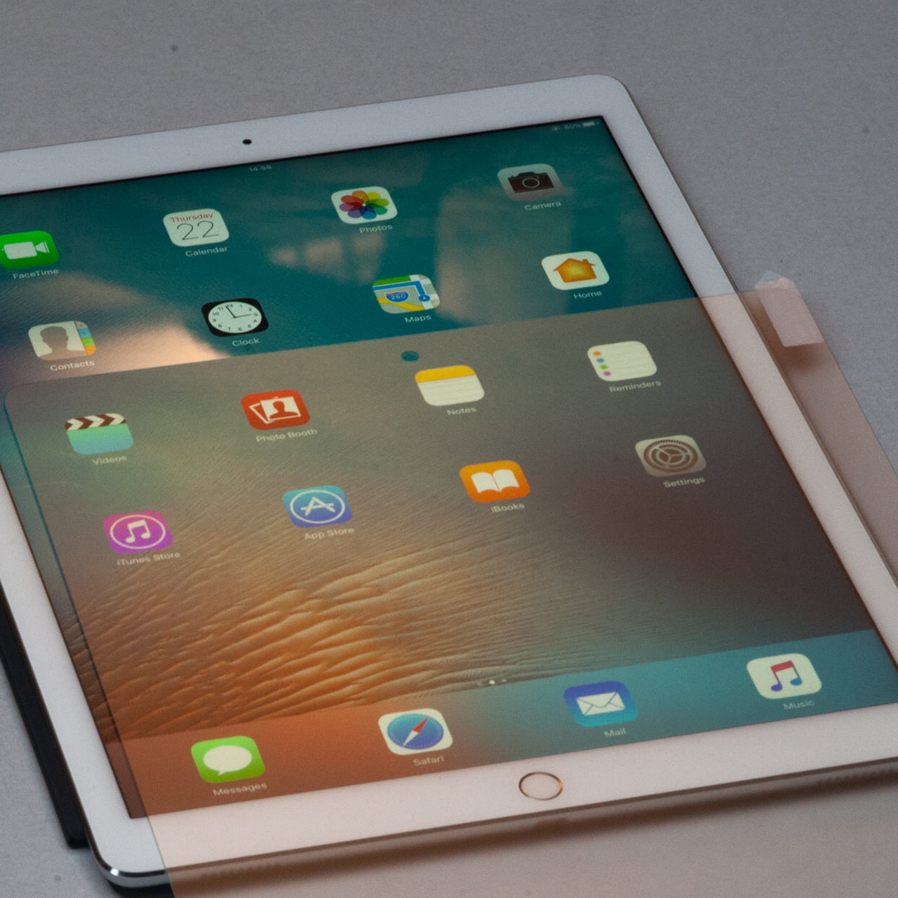 Matte screen for iPad